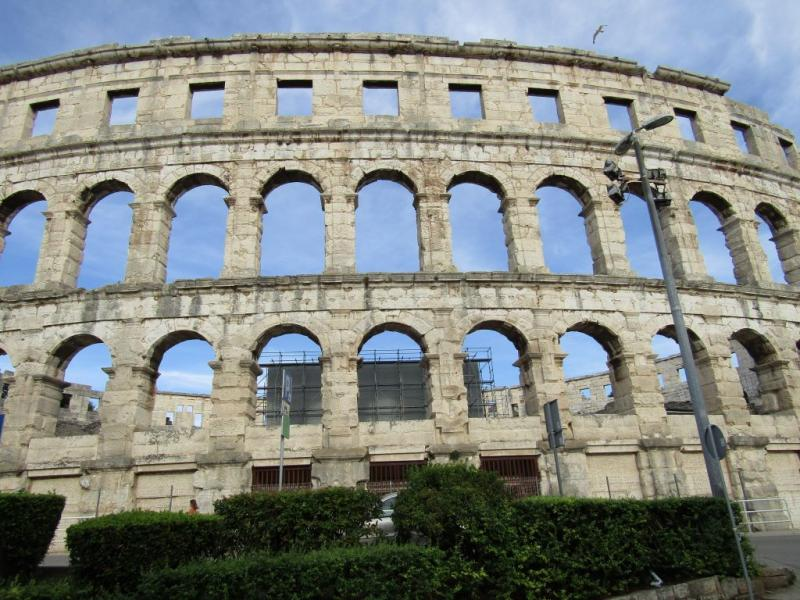 Pula si gladiatorii